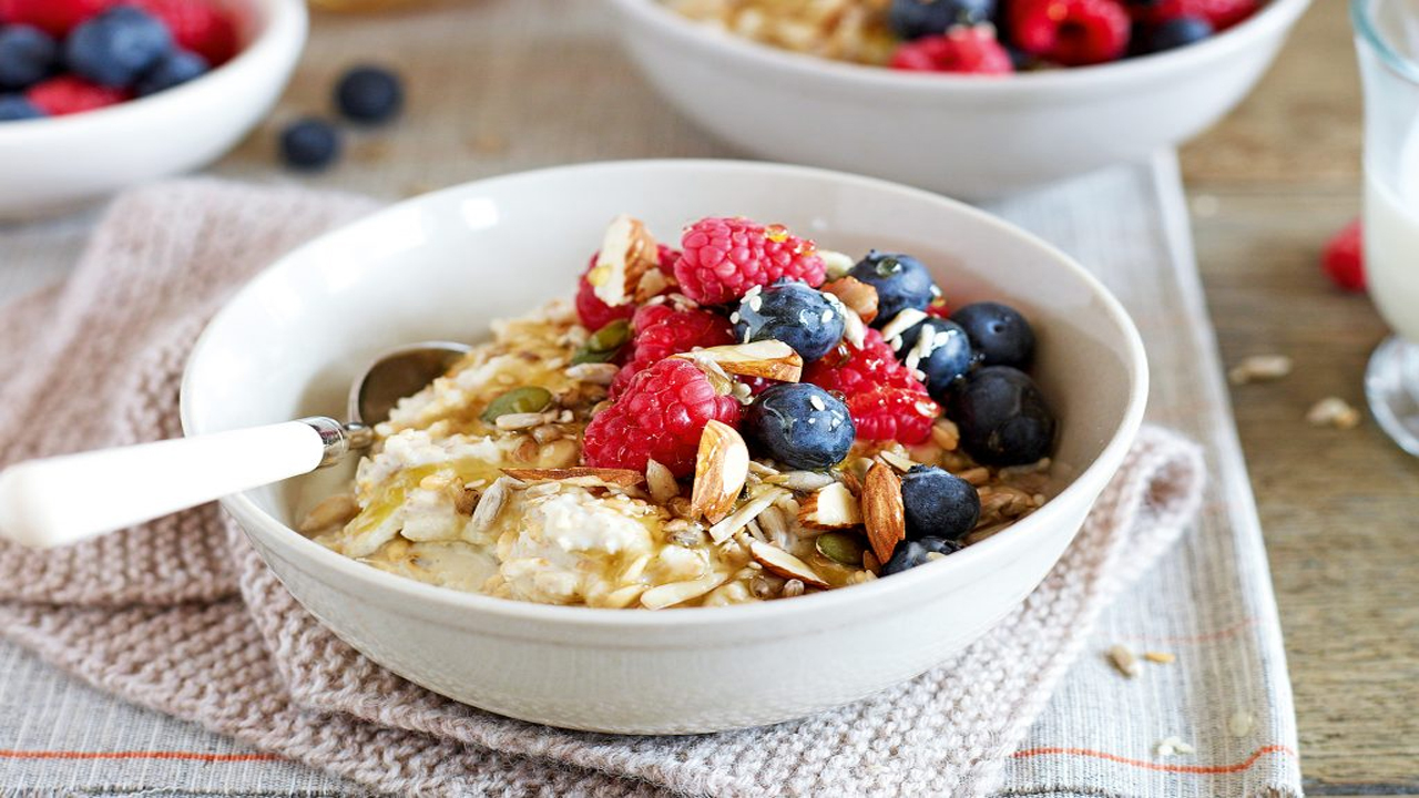 Benefits of the trending breakfast, Oatmeal!