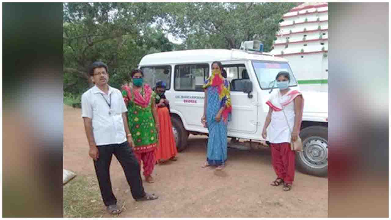 Bhadrak District Administration shifted Pregnant women to health centres for institutional delivery before the Cyclone struck: See Pics