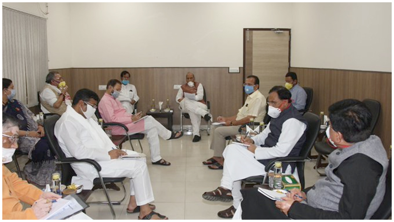 Group of Ministers under chairmanship of Raksha Mantri  @rajnathsingh reviews situation in the wake of extension of #lockdown due to #COVID19 up to May 3 and allowing partial economic activity in non-hotspot zones from April 20 onwards