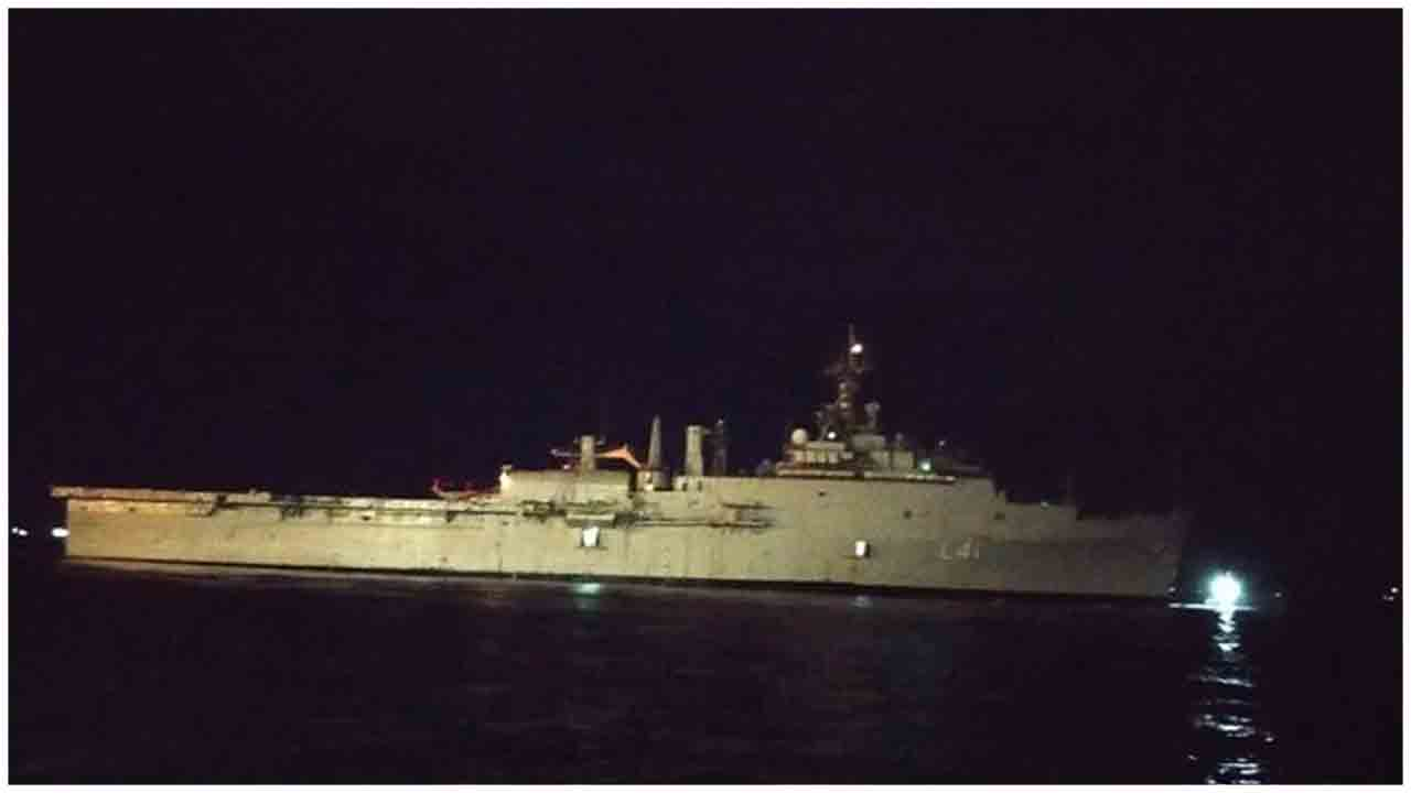 INS Jalashwa departs to Kochi from Malé with 698 Indian citizens onboard